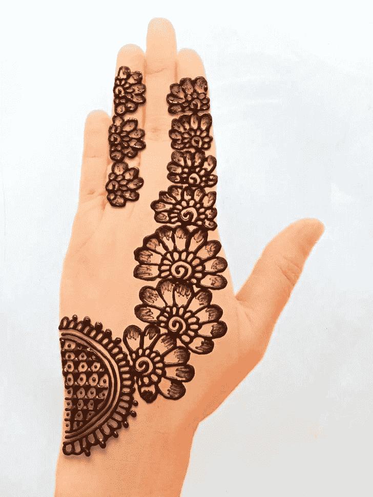 Inviting Front Hand Henna Design