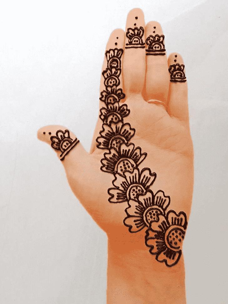 Nice Front Hand Henna Design