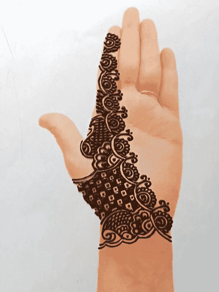 Pretty Front Hand Henna Design