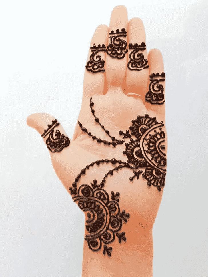 Resplendent Front Hand Henna Design