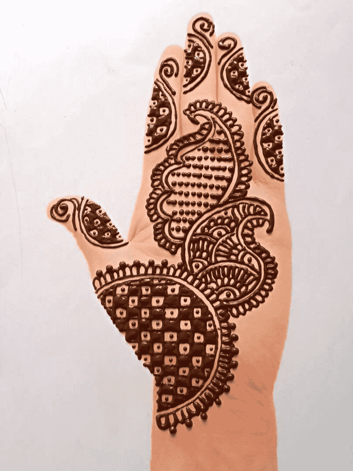 Shapely Front Hand Henna Design