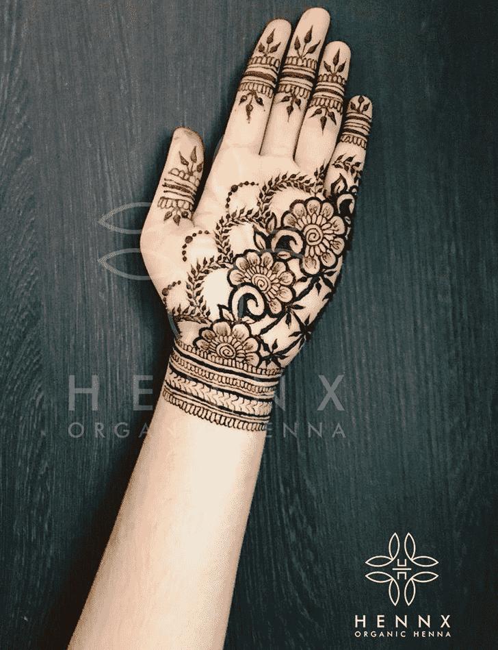 Wonderful Front Hand Mehndi Design