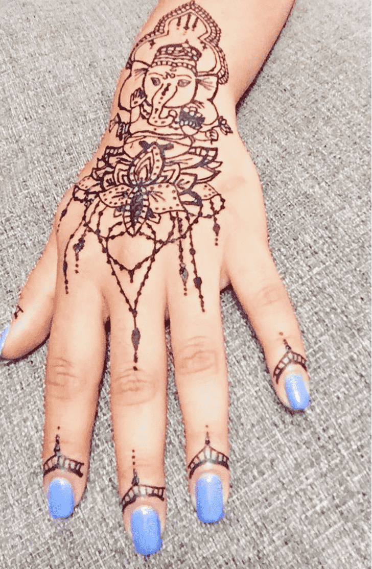 Charming Ganesh Chaturthi Henna Design