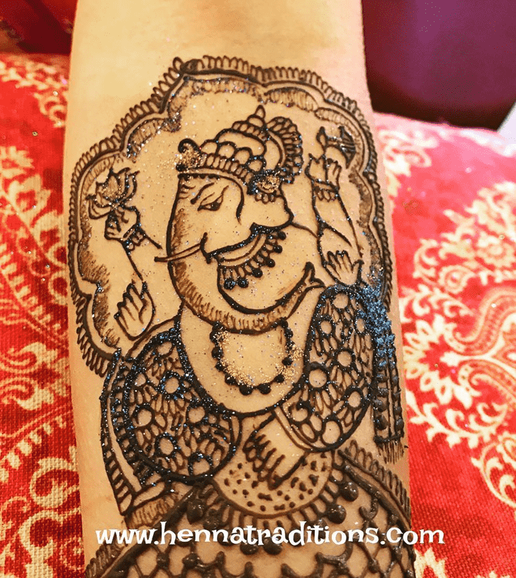 Captivating Ganesh Henna Design