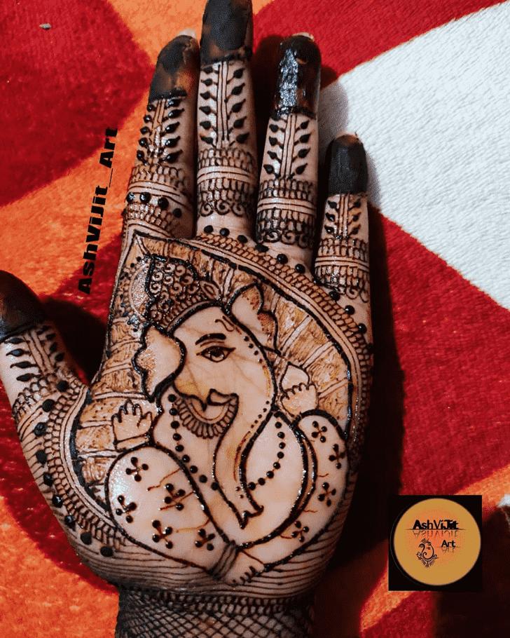 Adorable Ganpati Henna design
