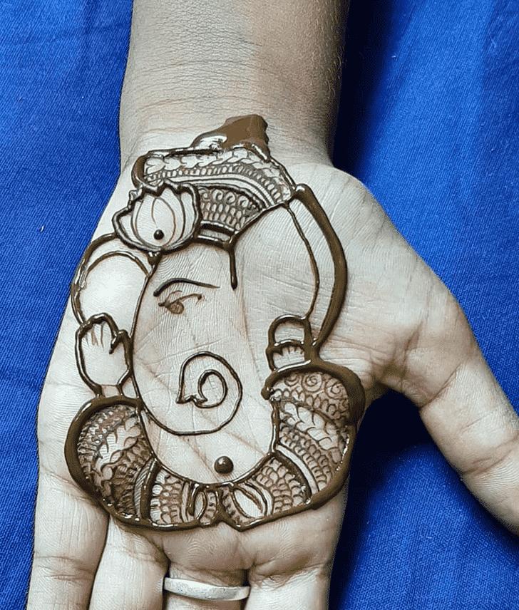 Appealing Ganpati Henna design