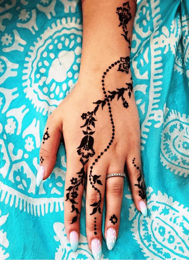 Classy Ghazni Henna Design