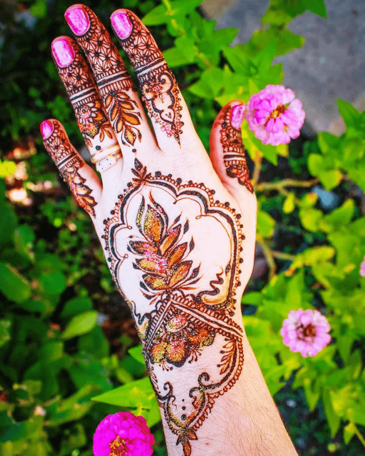 Admirable Glitter Mehndi Design