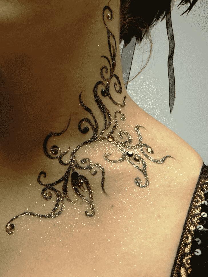 Delightful Glitter Henna Design