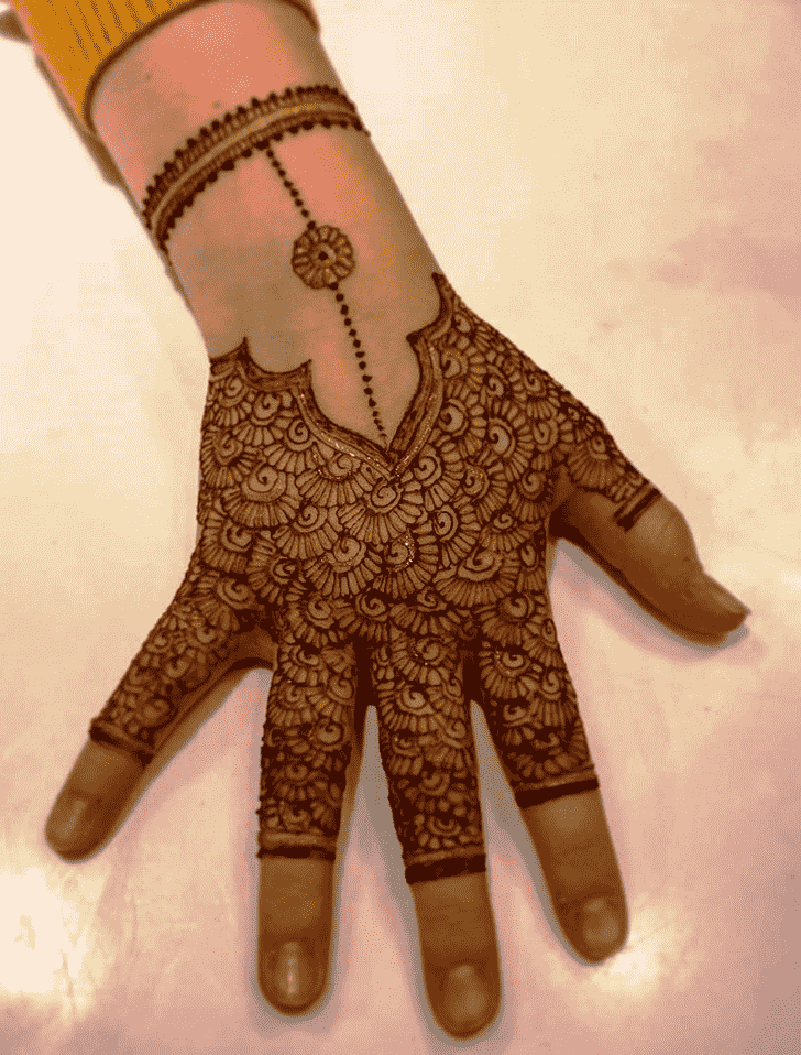 Enthralling Glitter Henna Design