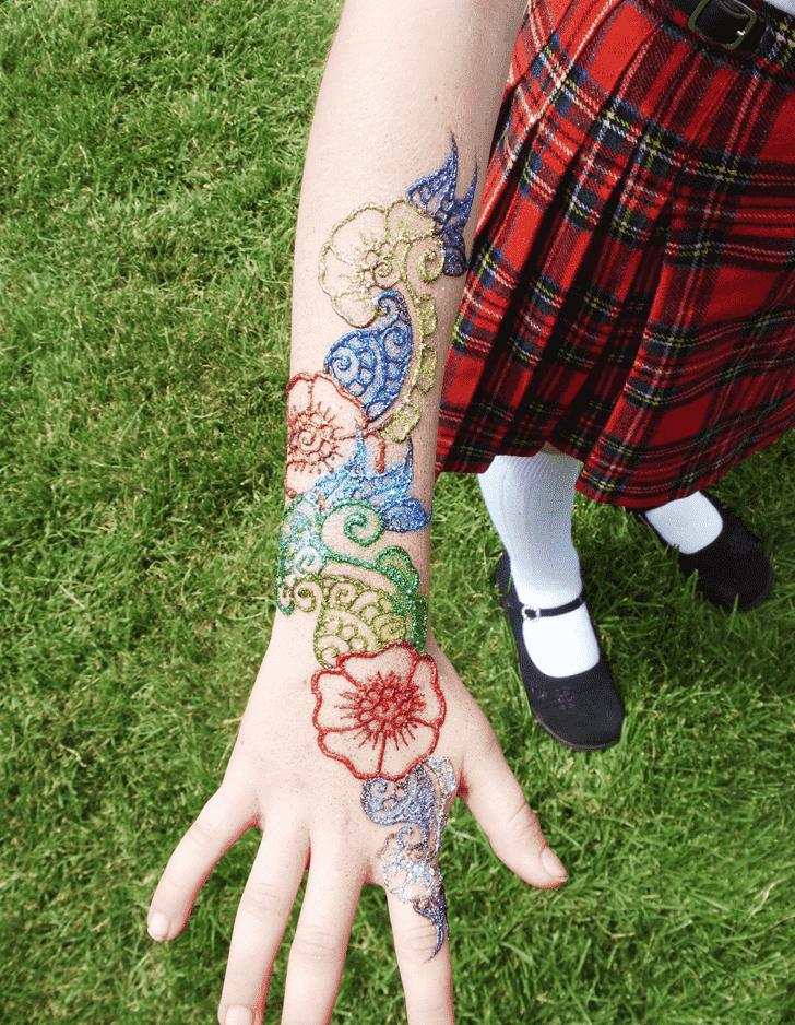 Grand Glitter Henna Design