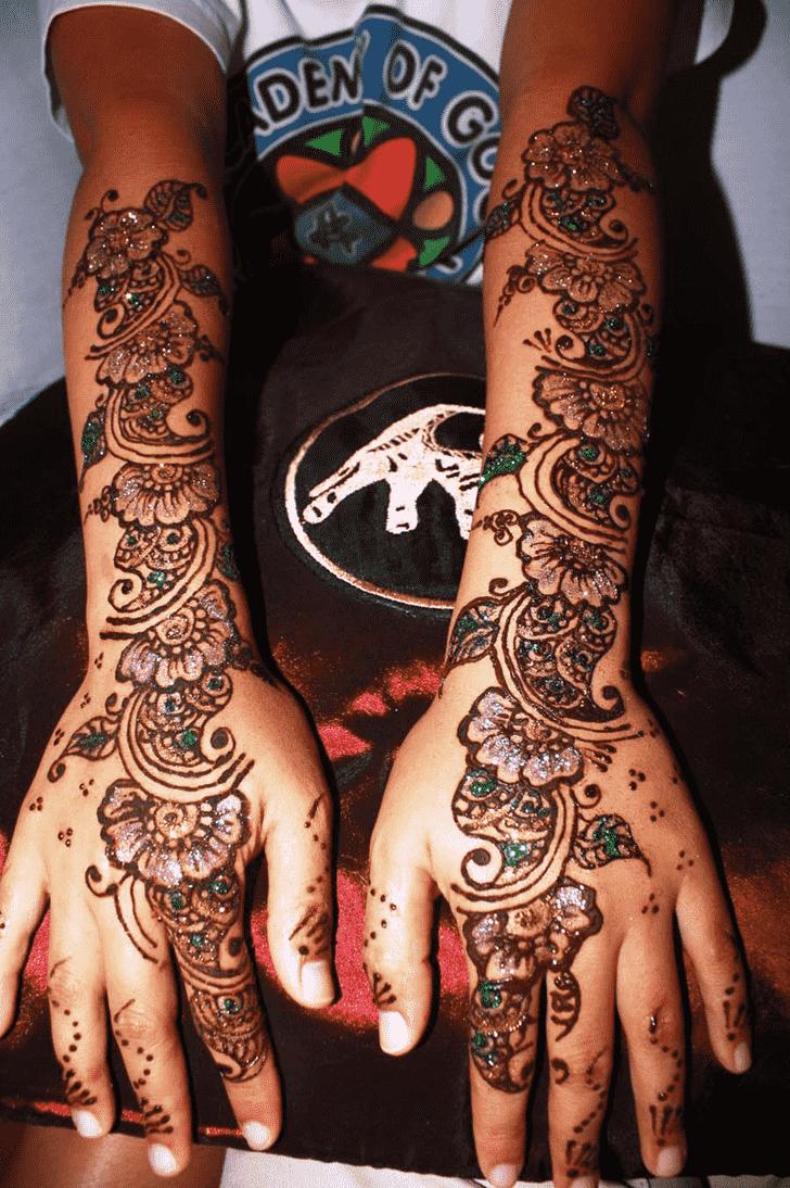 Inviting Glitter Henna Design