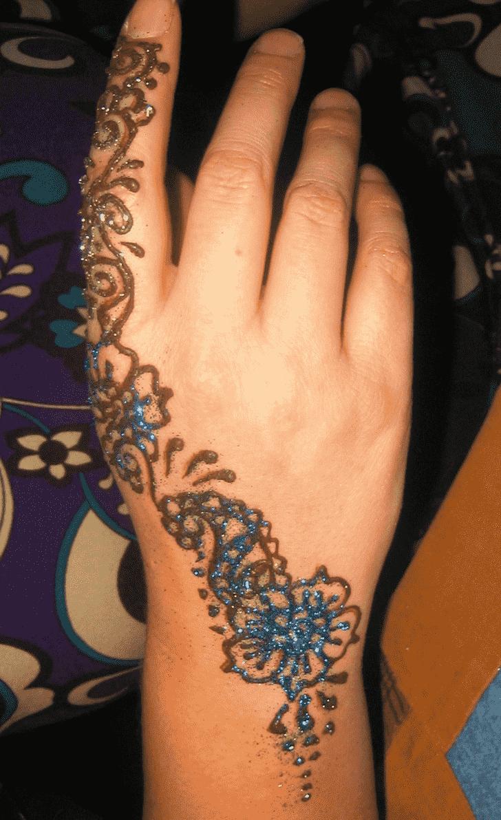 Nice Glitter Henna Design