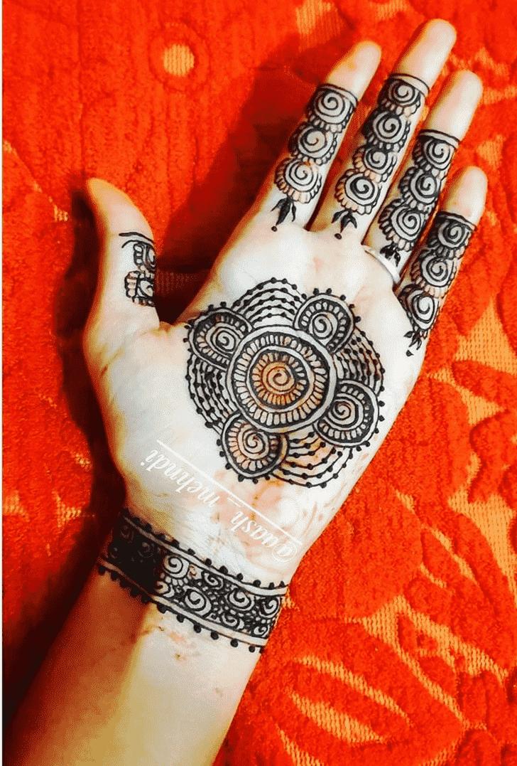 Comely Gol Tikki Henna Design