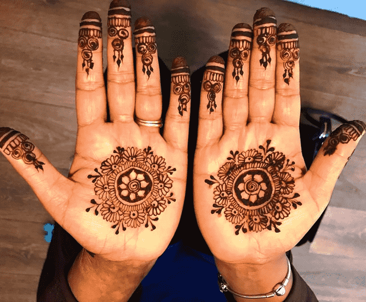 Fine Gol Tikki Henna Design