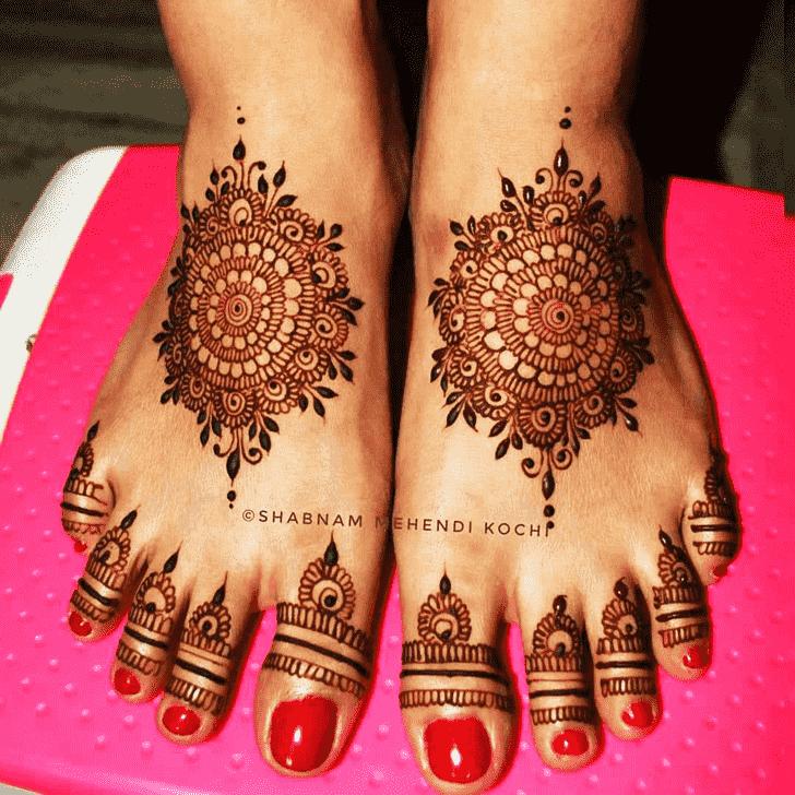 Refined Gol Tikki Henna Design