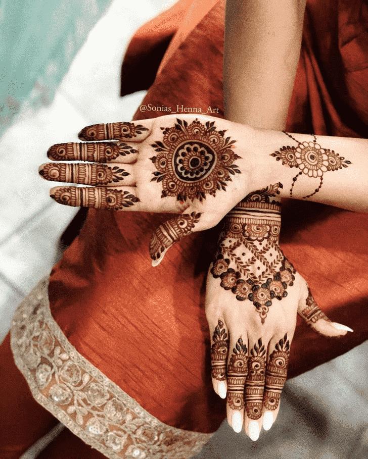 Resplendent Gol Tikki Henna Design
