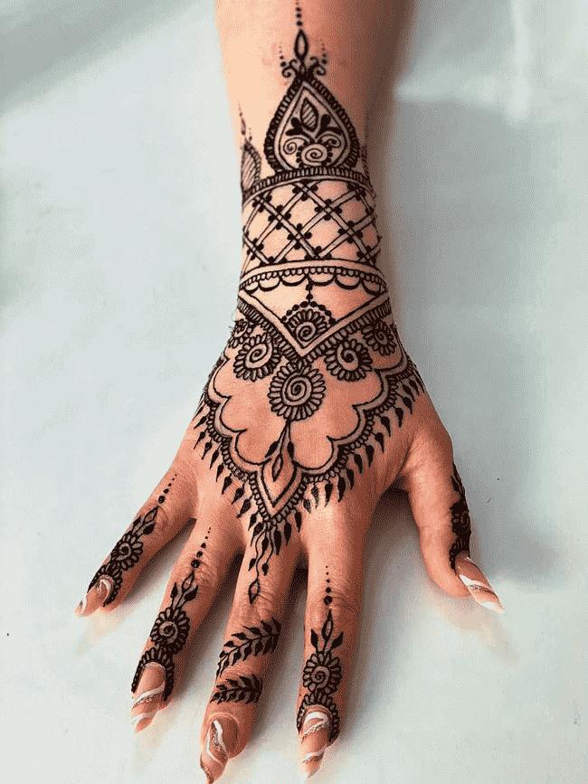 Appealing Gujranwala Henna Design