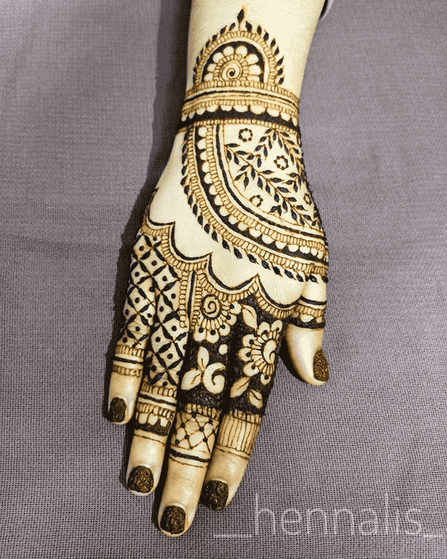 Beauteous Gujranwala Henna Design
