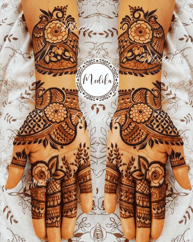 Captivating Gujranwala Henna Design