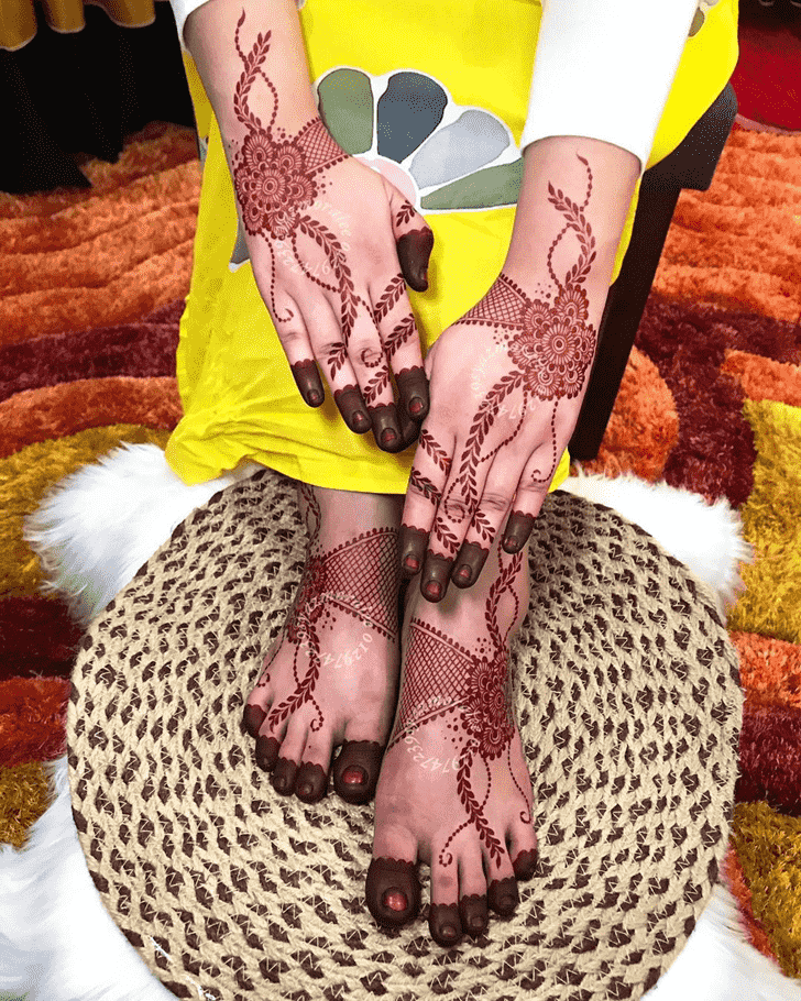 Graceful Gurugram Henna Design
