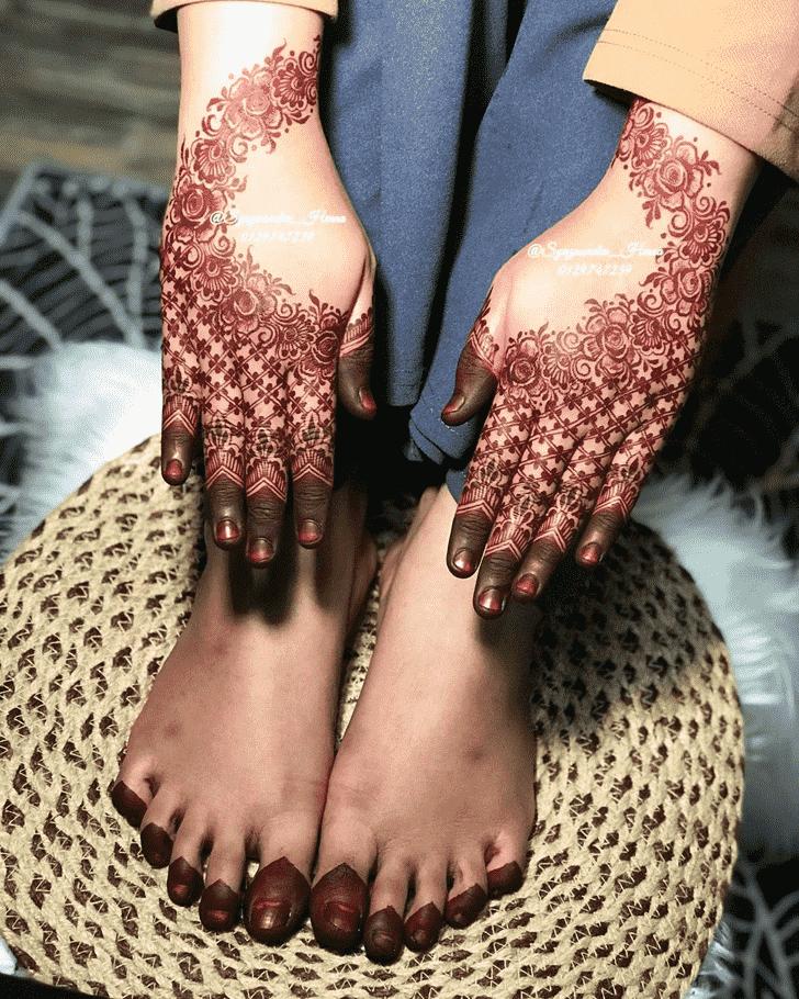 Shapely Gurugram Henna Design