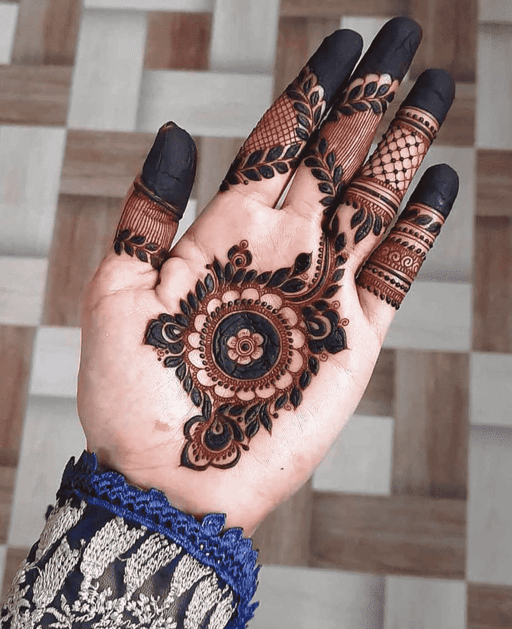 Splendid Gurugram Henna Design