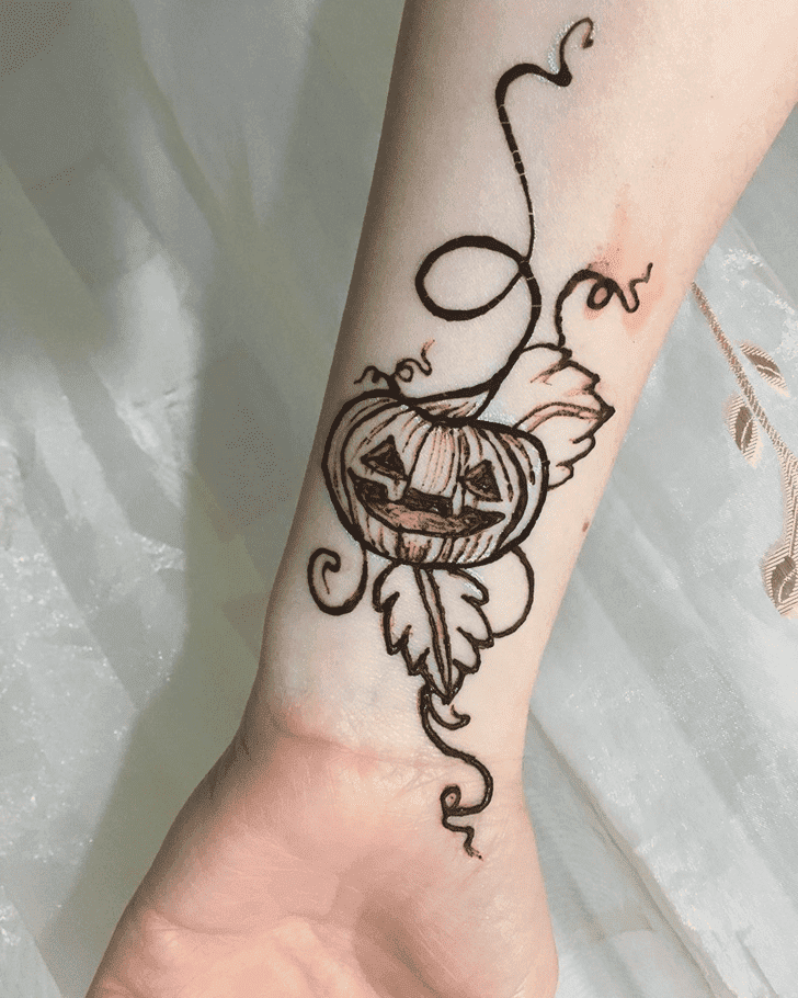 Adorable Halloween Henna Design