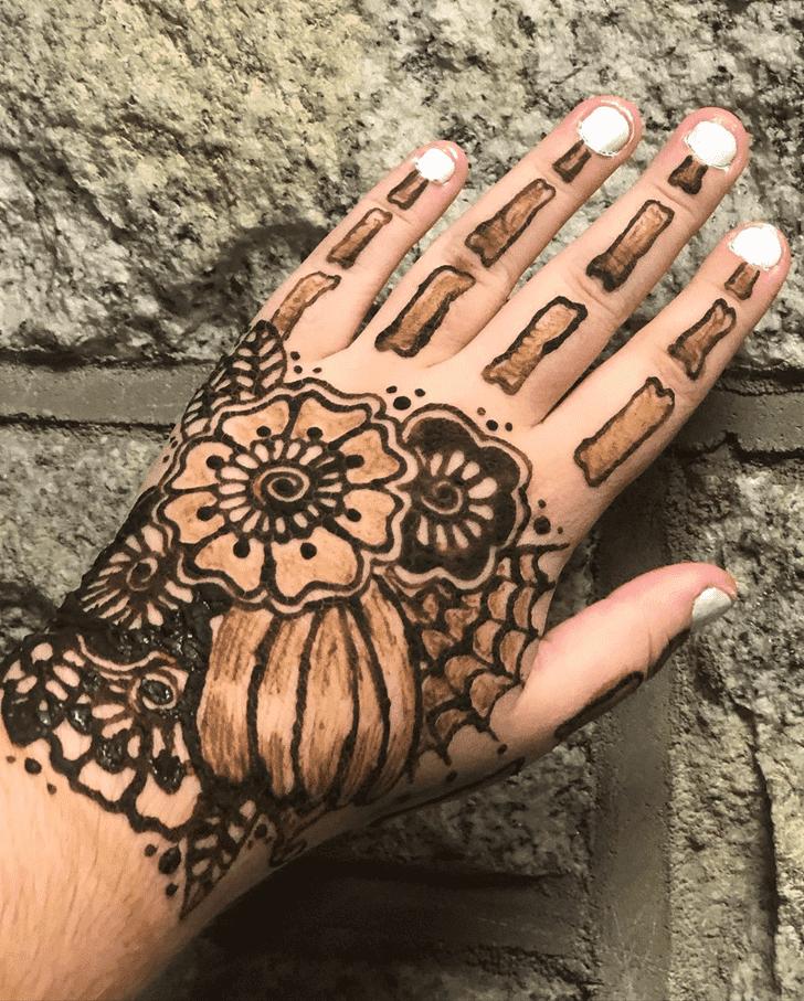 Alluring Halloween Henna Design