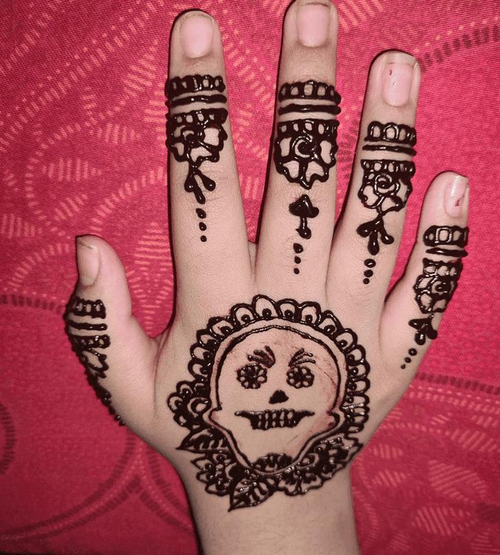 Wonderful Halloween Henna Design