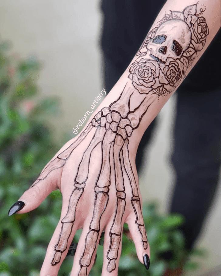 Shapely Halloween Henna Design