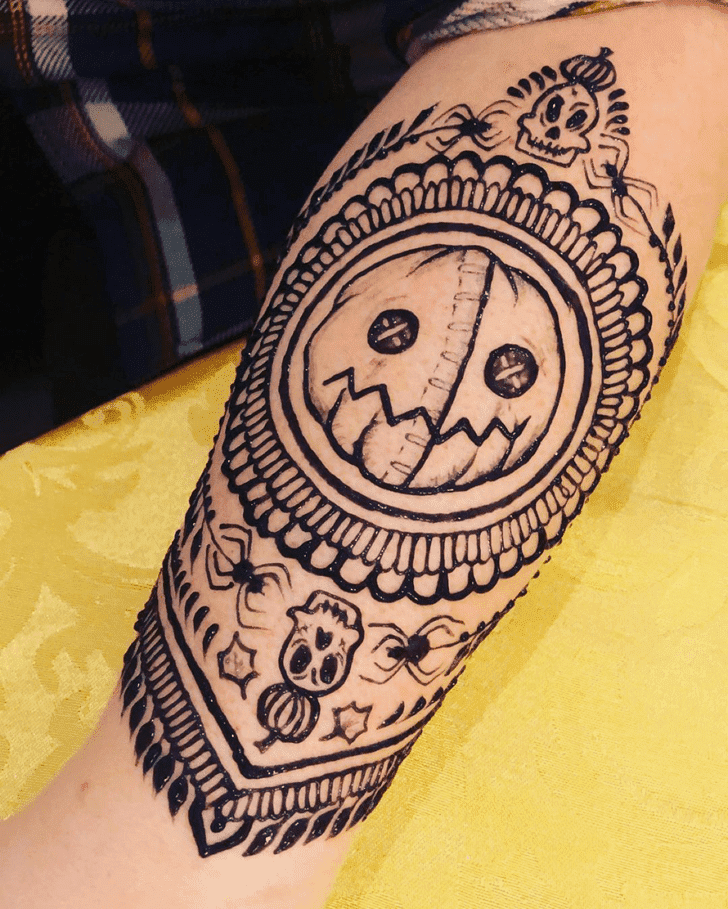 Splendid Halloween Henna Design
