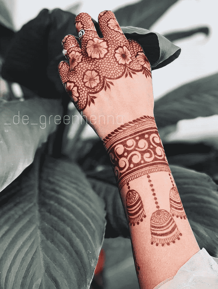 Admirable Hand Mehndi Design