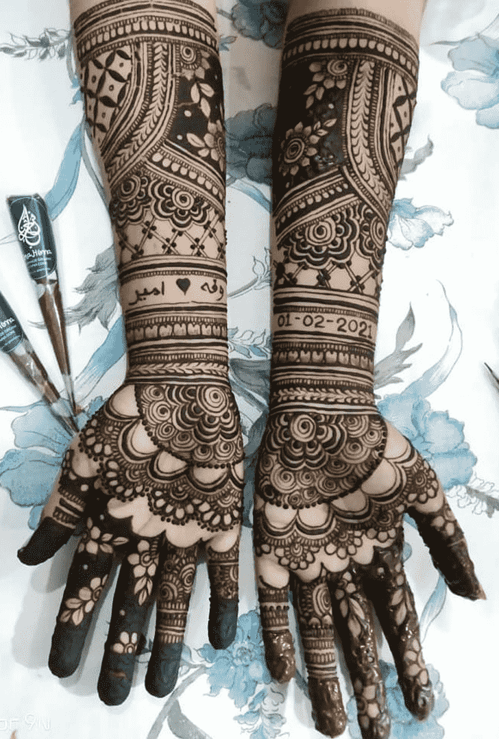Comely Hand Henna Design