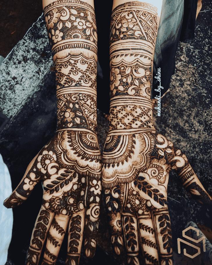 Dazzling Hand Henna Design