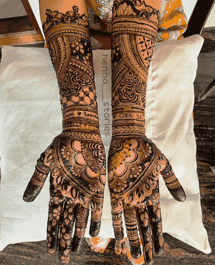 Enthralling Hand Henna Design