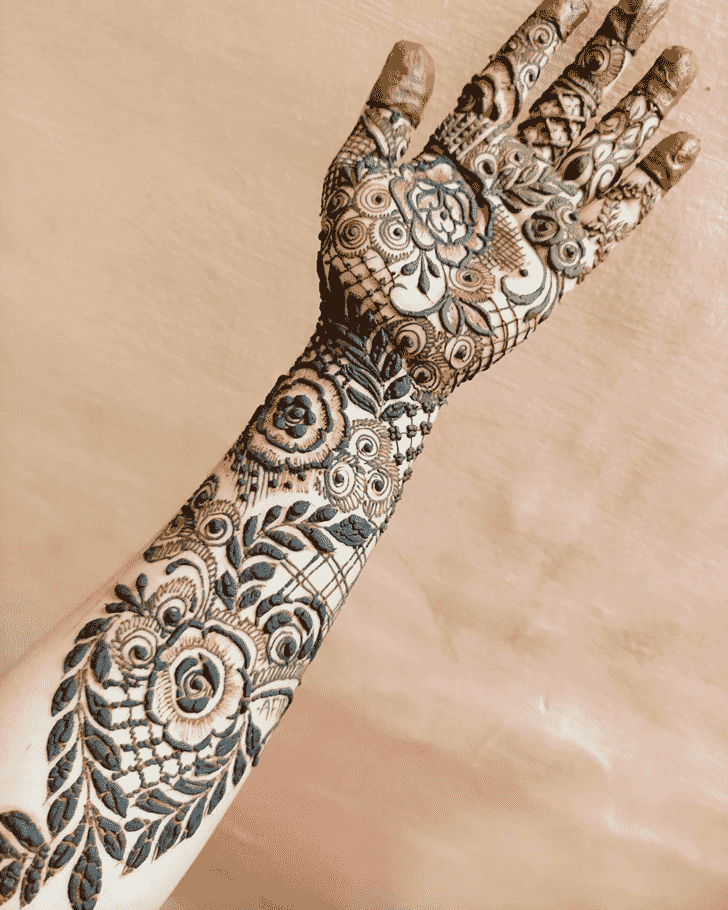 Fascinating Hand Henna Design