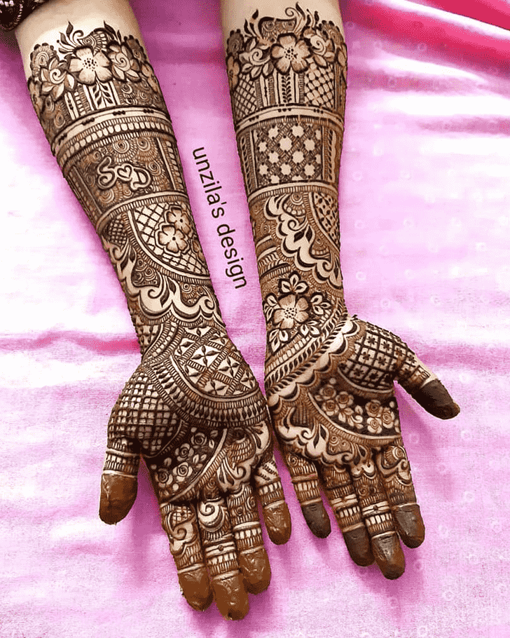 Gorgeous Hand Henna Design
