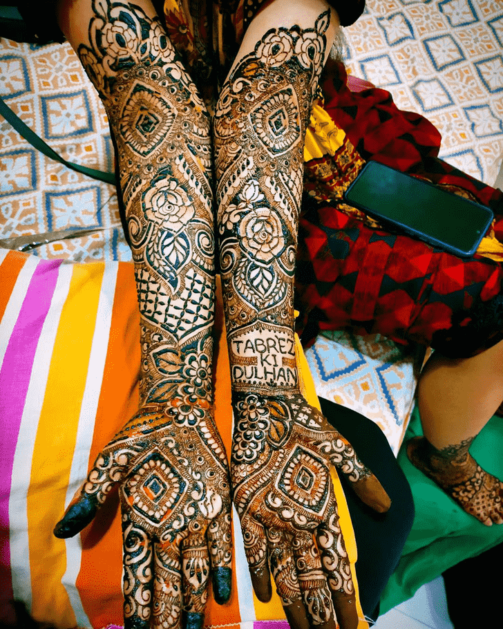 Radiant Hand Henna Design