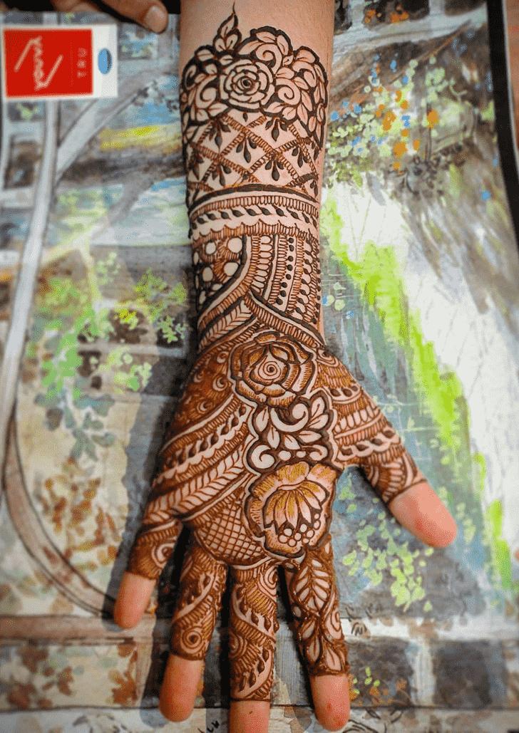 Ravishing Hand Henna Design