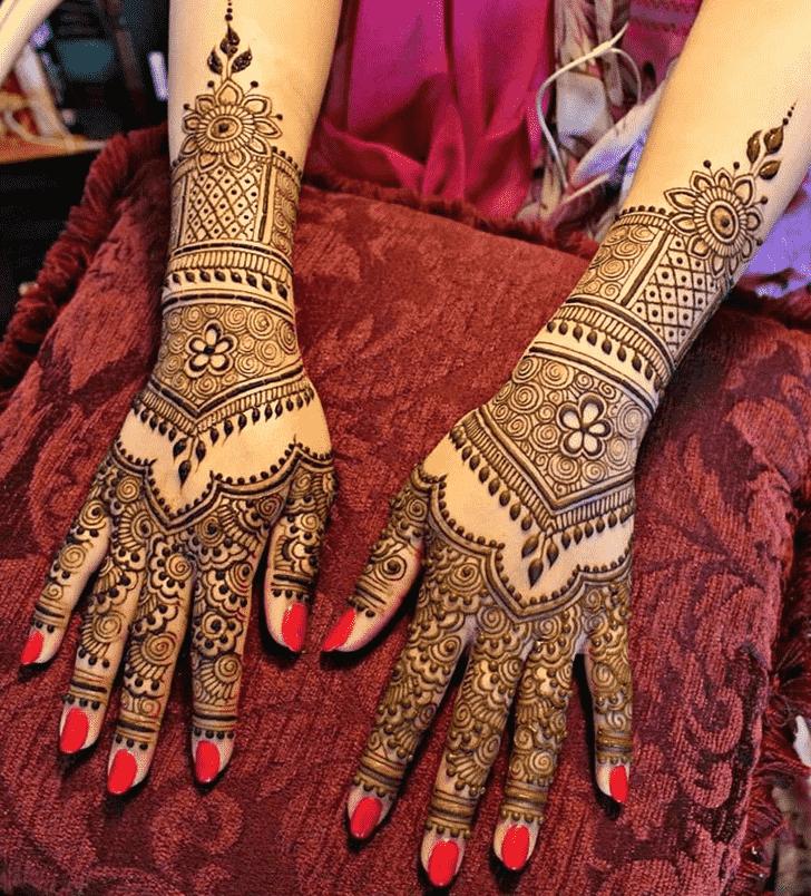 Shapely Hand Henna Design