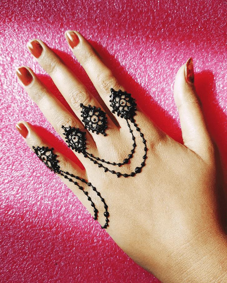 Splendid Hand Henna Design