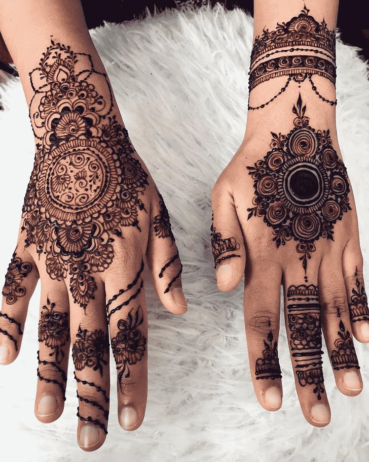 Stunning Hand Henna Design