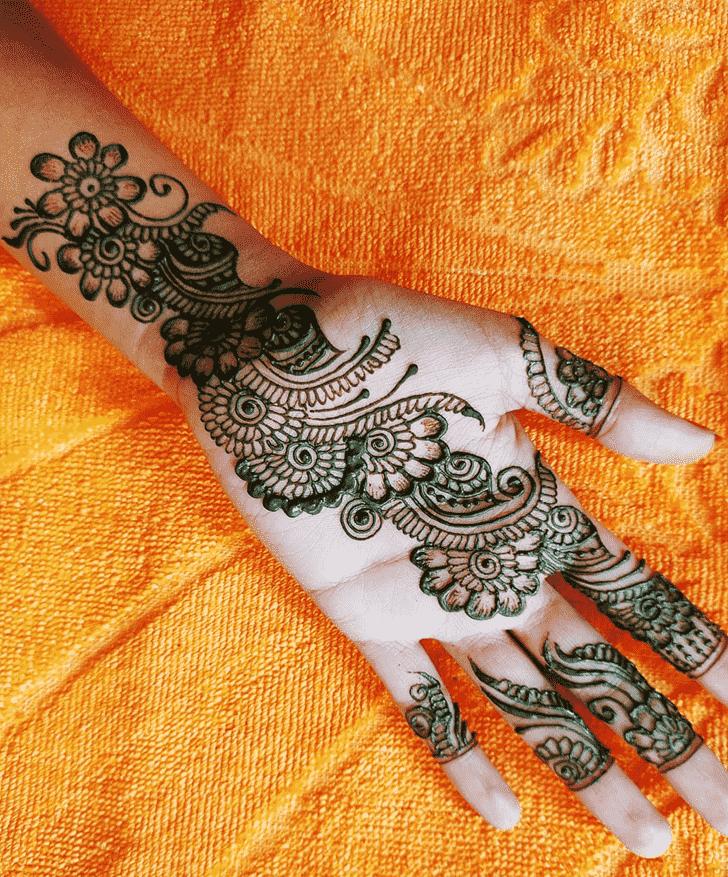 Wonderful Hand Mehndi Design