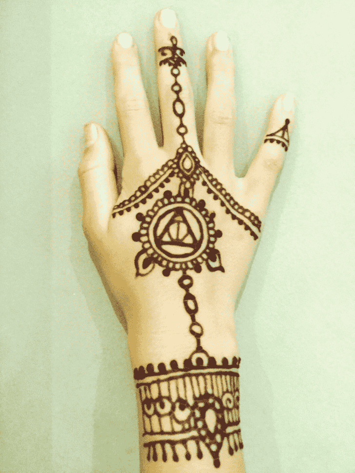Beauteous Harry Potter Henna Design