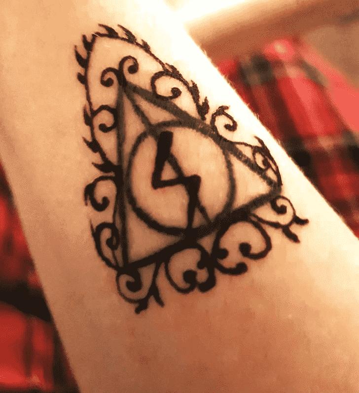 Captivating Harry Potter Henna Design