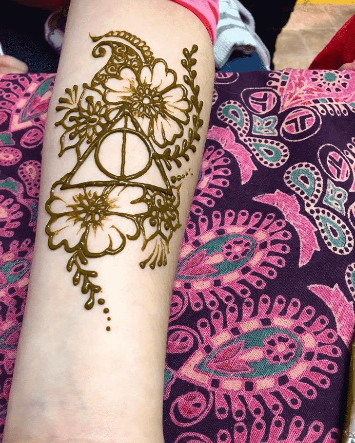 Elegant Harry Potter Henna Design