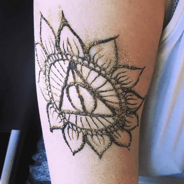 Exquisite Harry Potter Henna Design