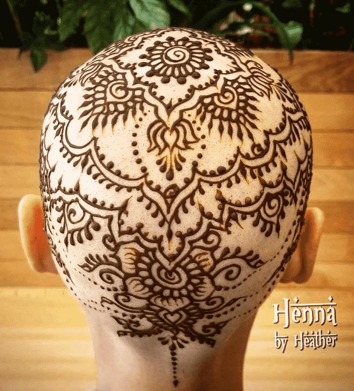 Exquisite Head Henna design