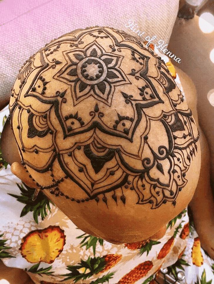 Head Henna design